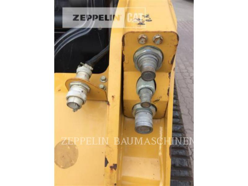 CATERPILLAR KOMPAKTLADER 257D equipment  photo 9