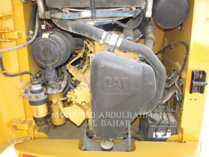 CATERPILLAR CHARGEURS COMPACTS RIGIDES 216 B SERIES 3 equipment  photo 13