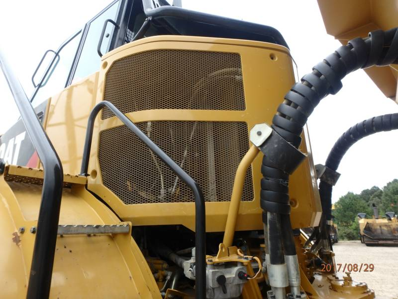 CATERPILLAR KNICKGELENKTE MULDENKIPPER 745C equipment  photo 23