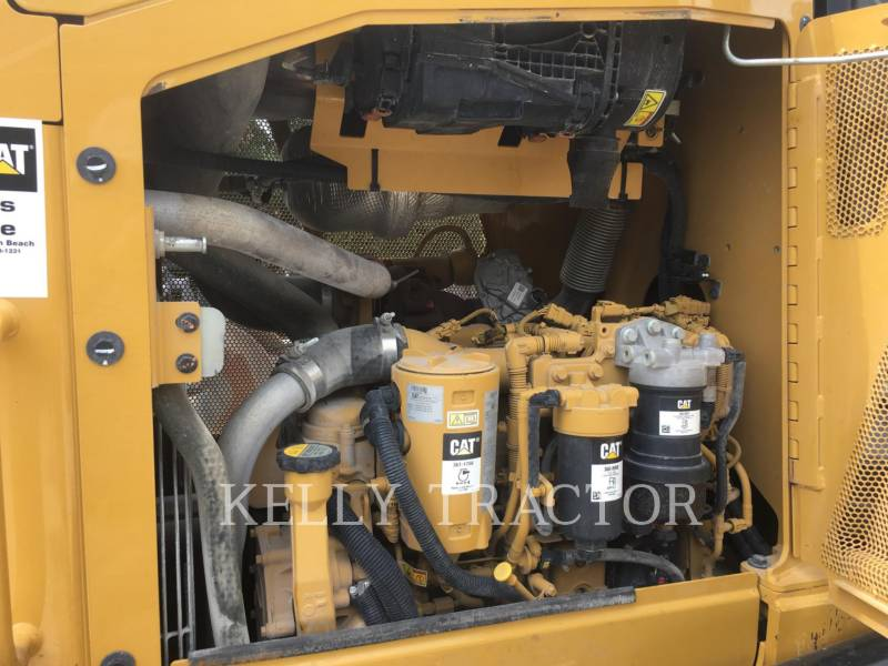 CATERPILLAR TRACK TYPE TRACTORS D3K2LGP equipment  photo 14