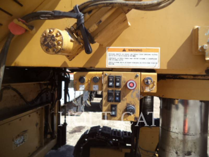 CATERPILLAR WT - COLD PLANER PM201 equipment  photo 23