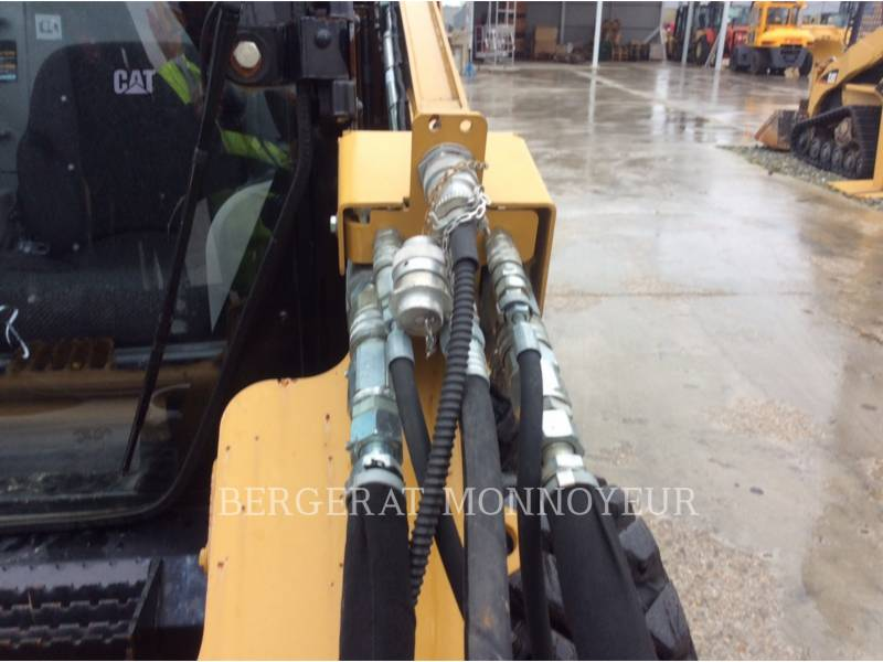CATERPILLAR MINICARGADORAS 256C equipment  photo 6