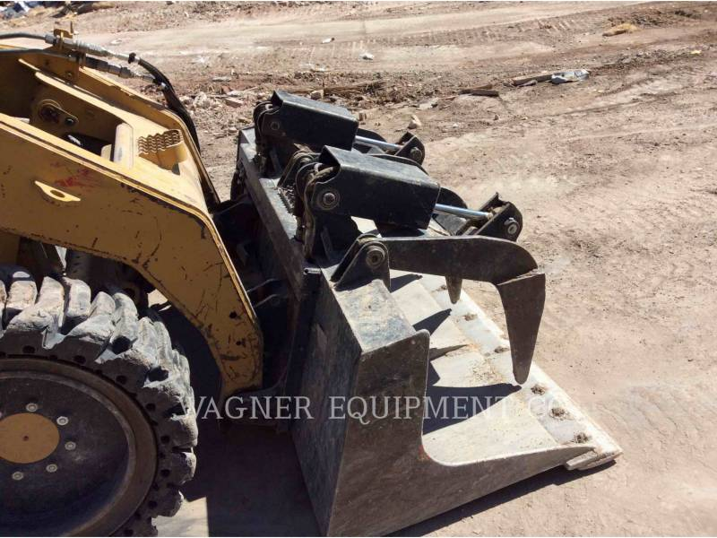 CATERPILLAR CHARGEURS COMPACTS RIGIDES 246C equipment  photo 14