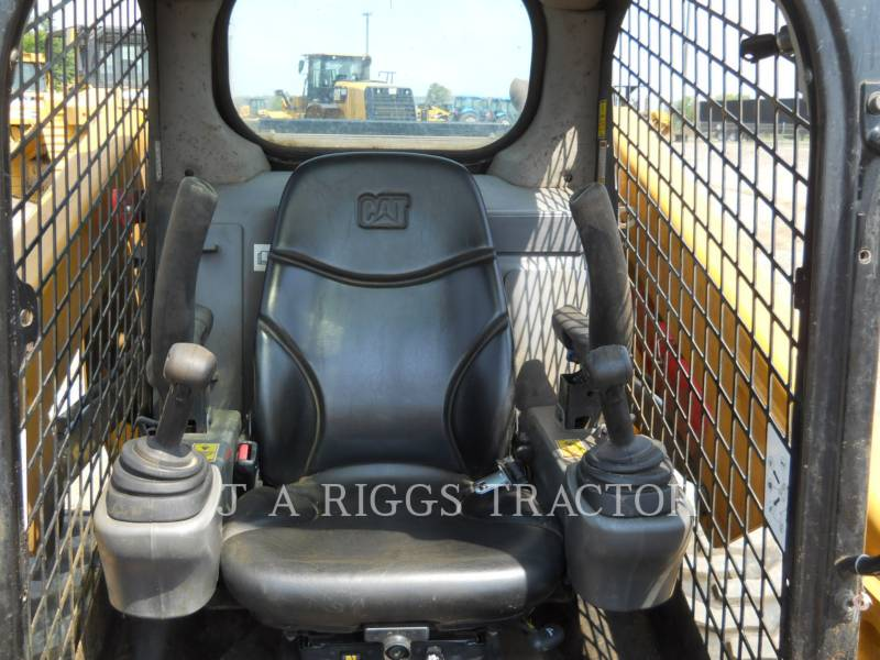 CATERPILLAR SKID STEER LOADERS 246D equipment  photo 17
