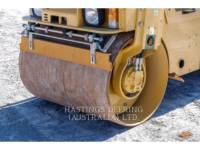 CATERPILLAR VIBRATORY DOUBLE DRUM ASPHALT CB22 equipment  photo 10