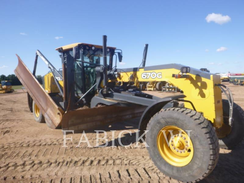 DEERE & CO. MOTOR GRADERS 670G equipment  photo 6