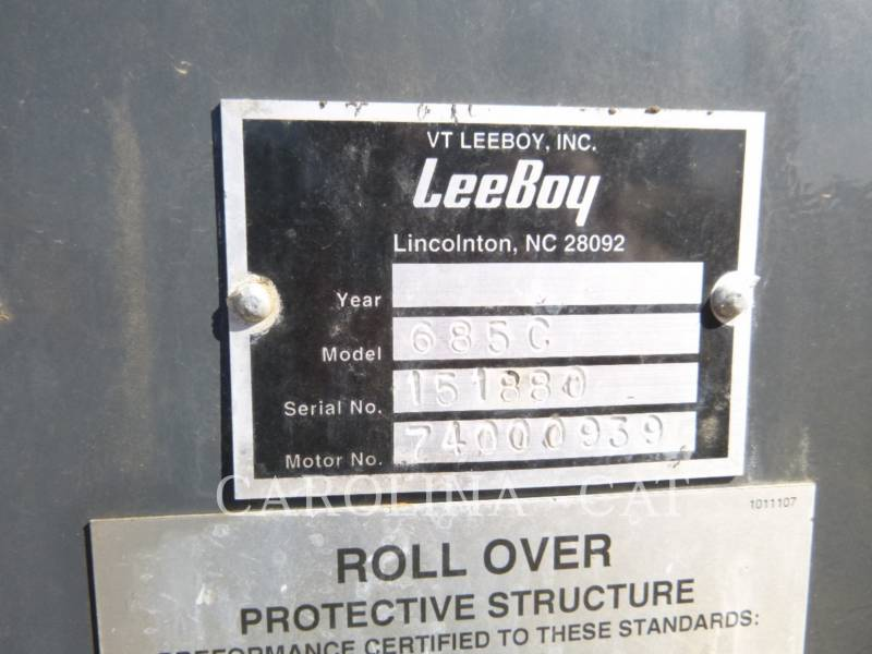 LEE-BOY VEHICULES UTILITAIRES 685C equipment  photo 7