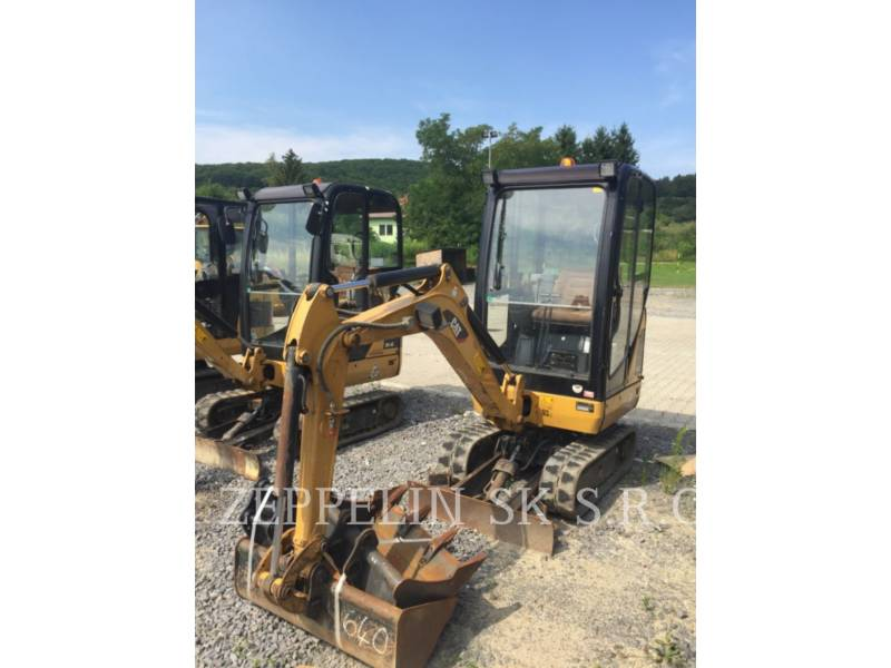 CATERPILLAR PELLES SUR CHAINES 301.4 C equipment  photo 1
