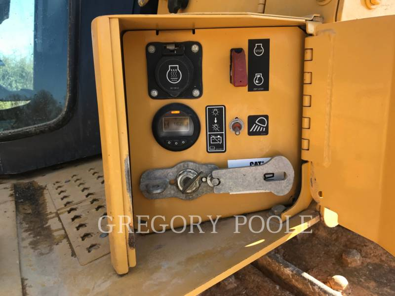 CATERPILLAR TRACK TYPE TRACTORS D6TXW equipment  photo 16