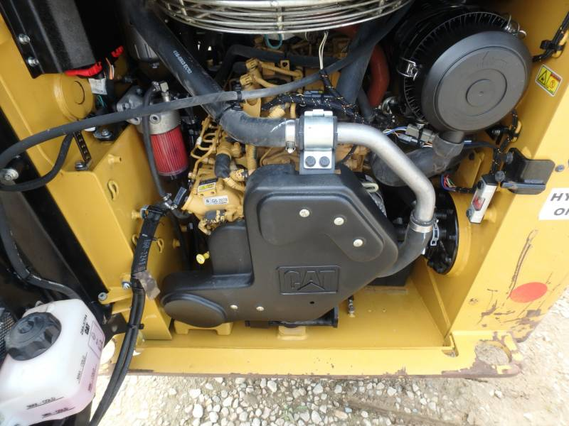 CATERPILLAR SKID STEER LOADERS 232D equipment  photo 18