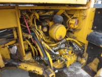 CATERPILLAR COMPACTEURS TANDEMS VIBRANTS CB-434B equipment  photo 10