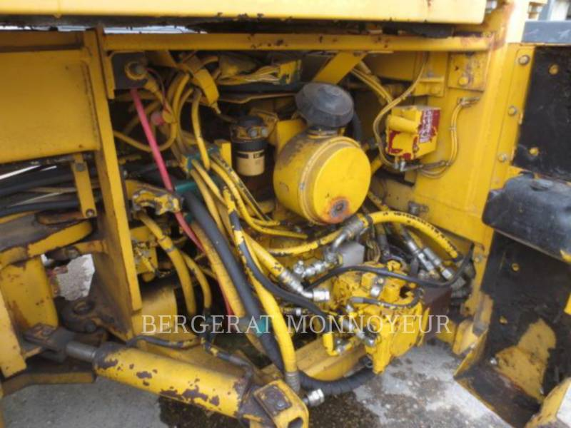 CATERPILLAR TANDEMVIBRATIONSWALZE, ASPHALT CB-434B equipment  photo 10