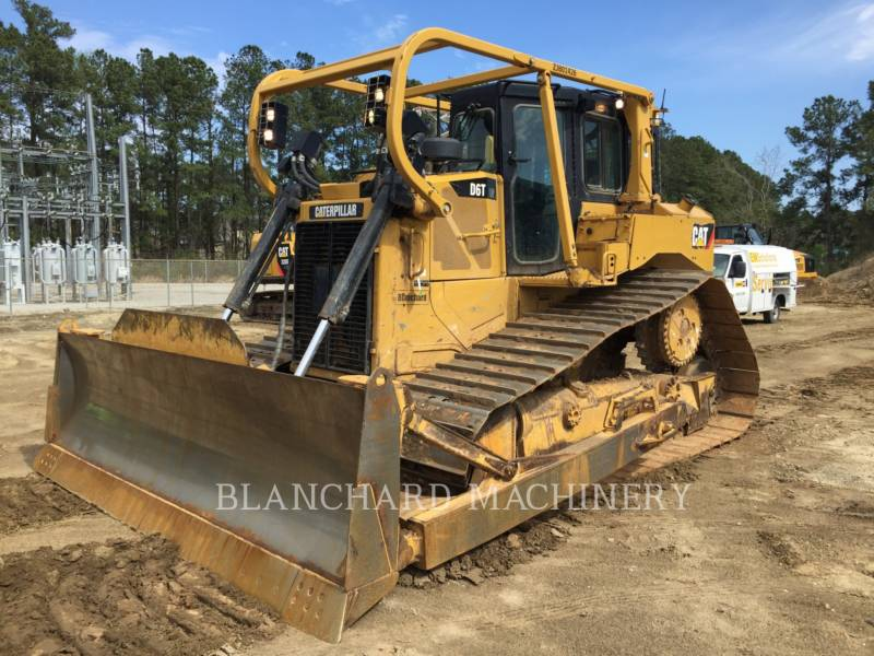 CATERPILLAR TRATORES DE ESTEIRAS D6T LGP equipment  photo 1