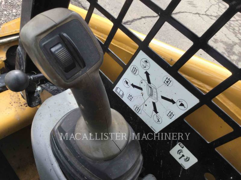 CATERPILLAR KOMPAKTLADER 226B3 equipment  photo 15
