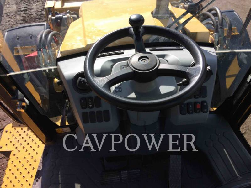 CATERPILLAR CHARGEUSES-PELLETEUSES 444F2LRC equipment  photo 7