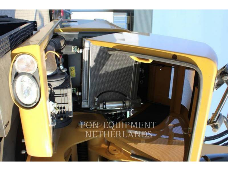 Caterpillar EXCAVATOARE PE ROŢI M313D equipment  photo 13