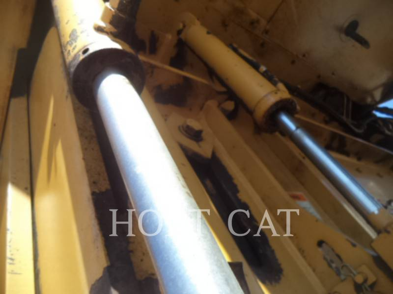 CATERPILLAR WT - COLD PLANER PM201 equipment  photo 15