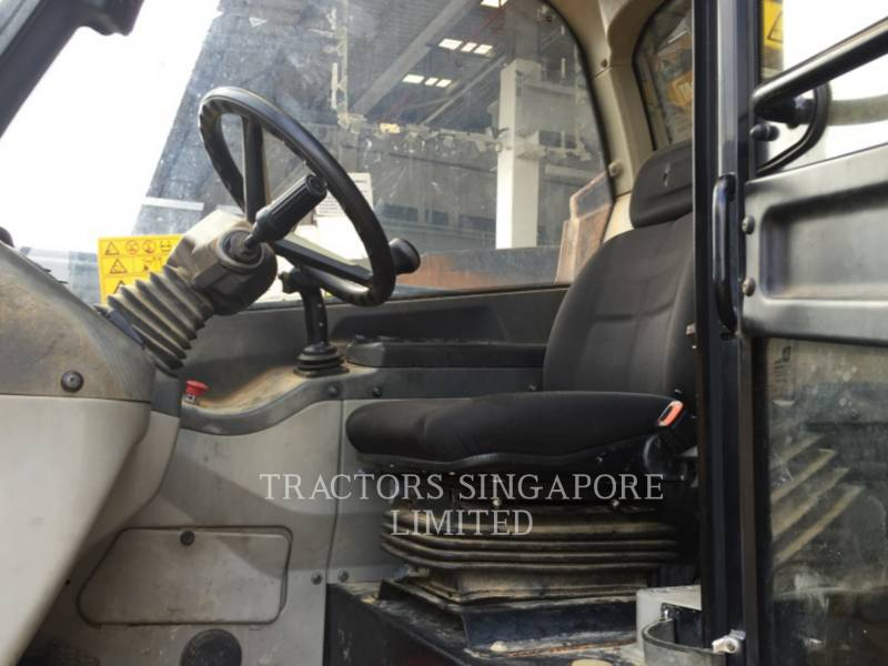 CATERPILLAR TELEHANDLER TH417 equipment  photo 10