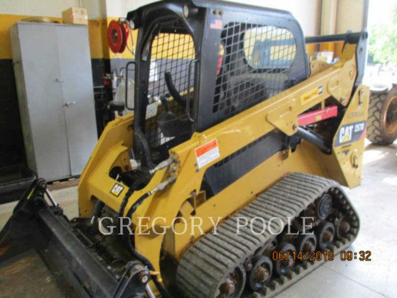 CATERPILLAR 多様地形対応ローダ 257D equipment  photo 1