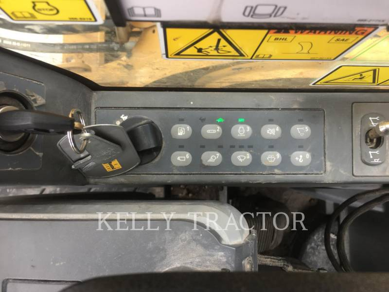 CATERPILLAR TRACK EXCAVATORS 318EL equipment  photo 20