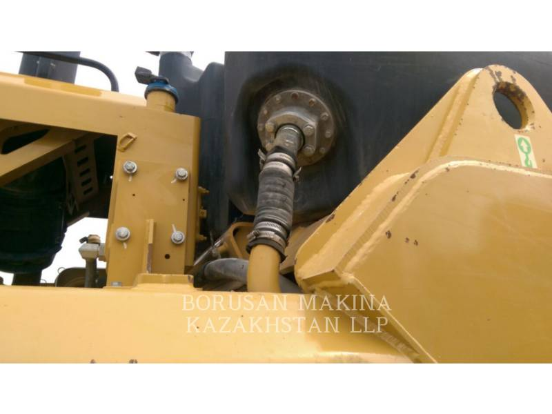 CATERPILLAR WHEEL TRACTOR SCRAPERS 627H equipment  photo 9