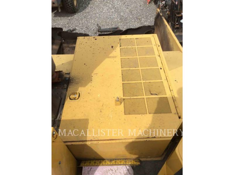 CATERPILLAR ASPHALT PAVERS AP-1055D equipment  photo 12