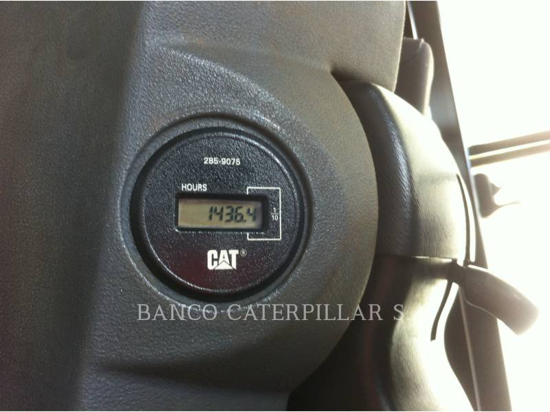 CATERPILLAR VIBRATORY SINGLE DRUM SMOOTH CS-423E equipment  photo 24