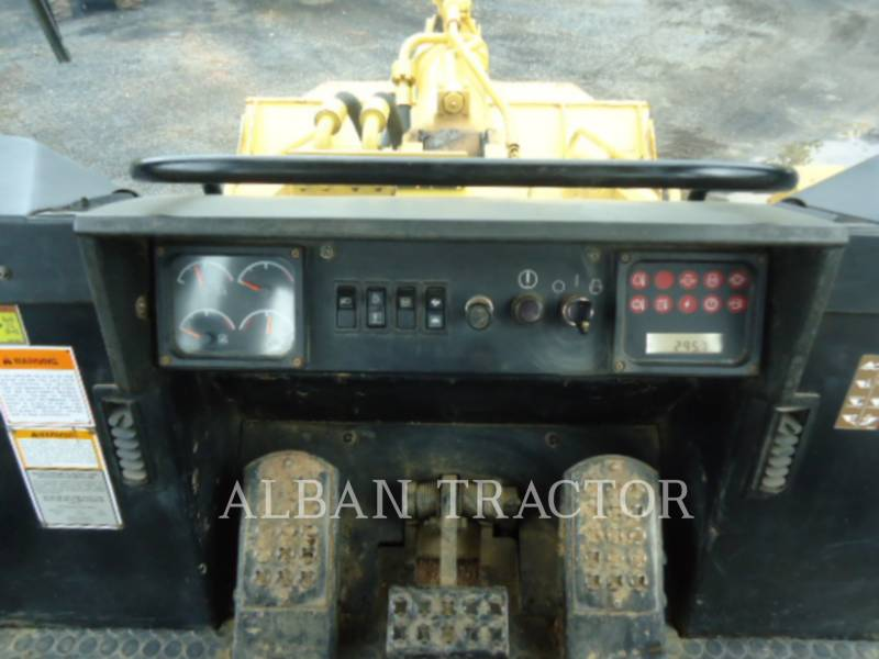 CATERPILLAR CHARGEURS SUR CHAINES 963C CAC equipment  photo 14