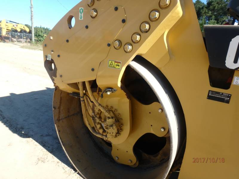 CATERPILLAR COMPACTEURS TANDEMS VIBRANTS CB54 equipment  photo 19