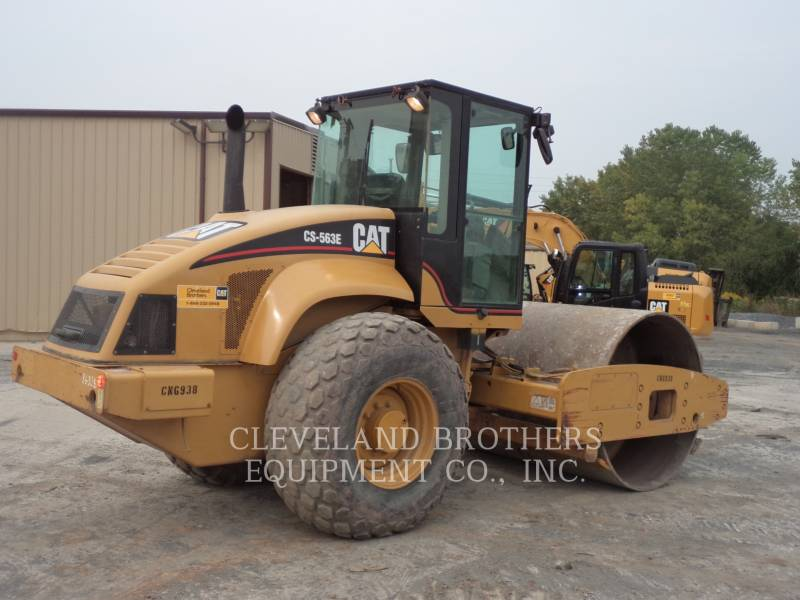 CATERPILLAR COMPACTORS CS563E equipment  photo 4