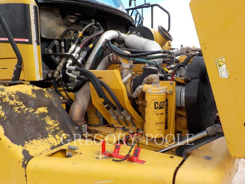 CATERPILLAR CAMIONES ARTICULADOS 725 equipment  photo 17