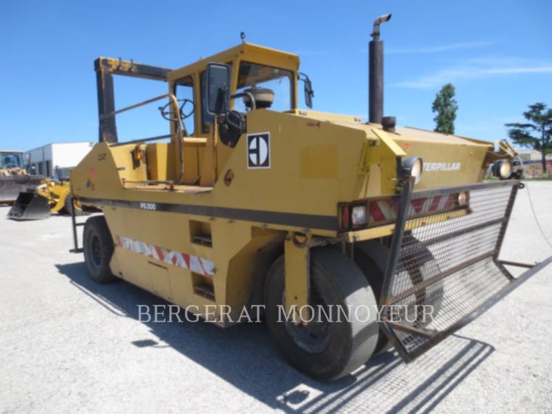 CATERPILLAR PNEUMATIC TIRED COMPACTORS PS-300 equipment  photo 2