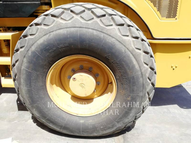CATERPILLAR EINZELVIBRATIONSWALZE, GLATTBANDAGE CS 74 equipment  photo 8