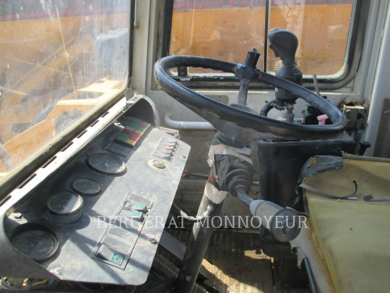 LIEBHERR PALE GOMMATE/PALE GOMMATE MULTIUSO L521 equipment  photo 9