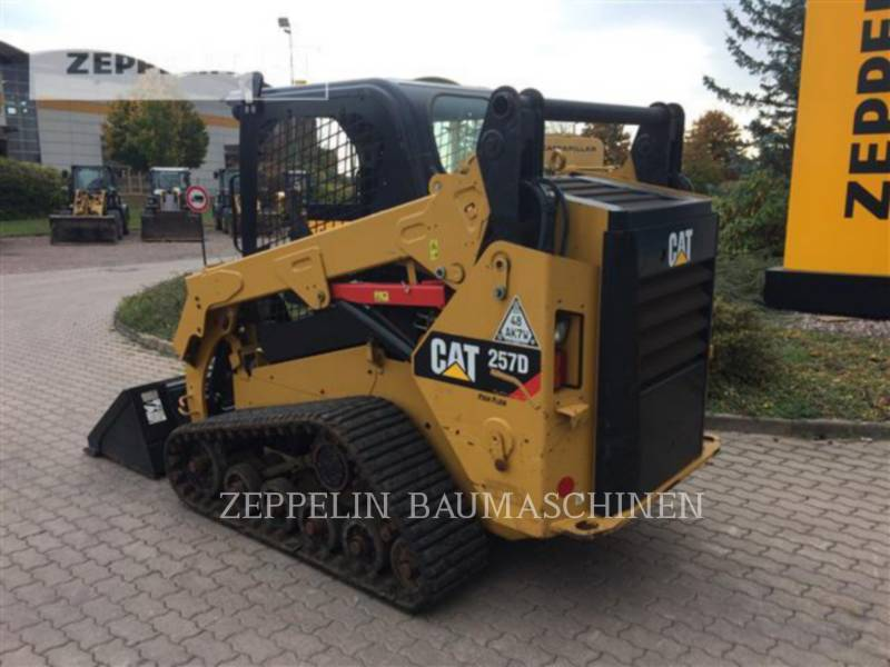 CATERPILLAR SKID STEER LOADERS 257D equipment  photo 2
