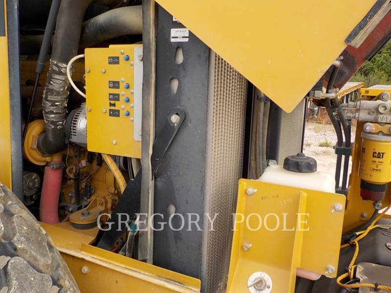 CATERPILLAR VIBRATORY SINGLE DRUM SMOOTH CS-54 equipment  photo 21