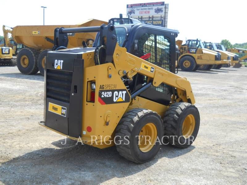 CATERPILLAR PALE COMPATTE SKID STEER 242D A equipment  photo 5