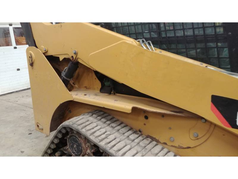 CATERPILLAR MULTI TERRAIN LOADERS 257B3 equipment  photo 6