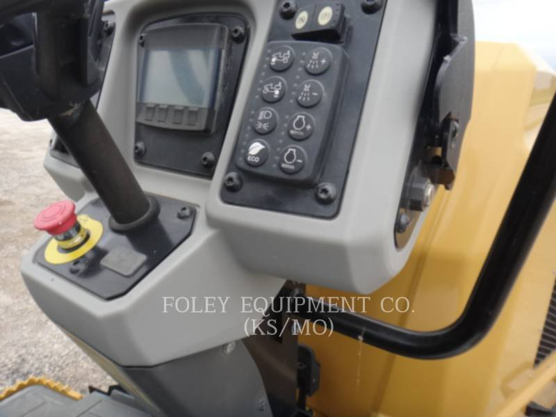 CATERPILLAR COMPACTORS CC34B equipment  photo 10