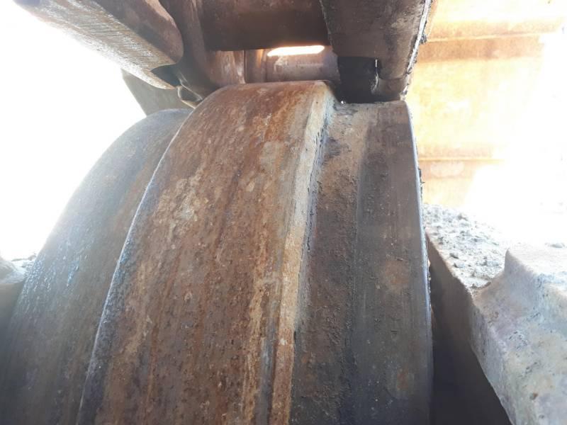 CATERPILLAR ESCAVATORI CINGOLATI 390DL equipment  photo 20