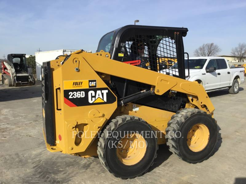 CATERPILLAR CHARGEURS COMPACTS RIGIDES 236DSTD1O equipment  photo 4