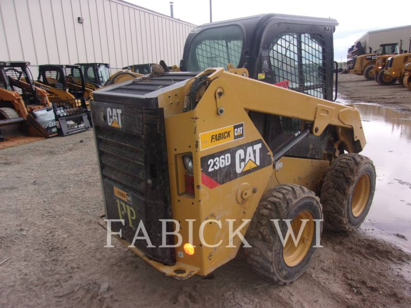 CATERPILLAR SKID STEER LOADERS 236 D equipment  photo 4