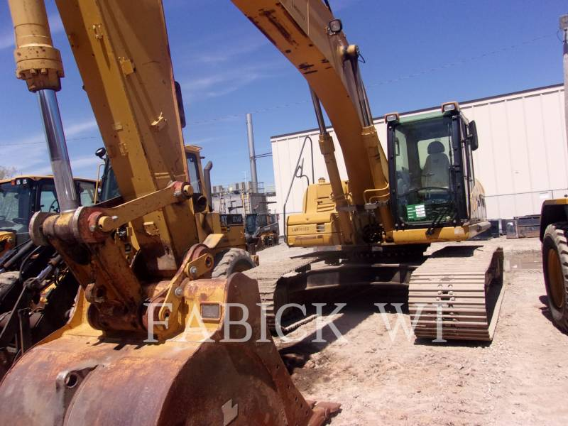 CATERPILLAR TRACK EXCAVATORS 324DL equipment  photo 2