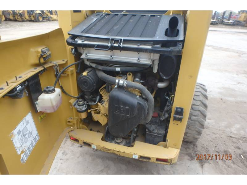 Caterpillar MINIÎNCĂRCĂTOARE RIGIDE MULTIFUNCŢIONALE 226B3 equipment  photo 11