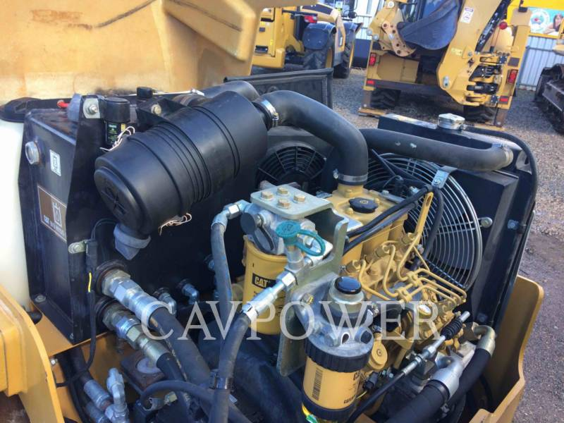 CATERPILLAR TAMBOR DOBLE VIBRATORIO ASFALTO CB24 equipment  photo 9