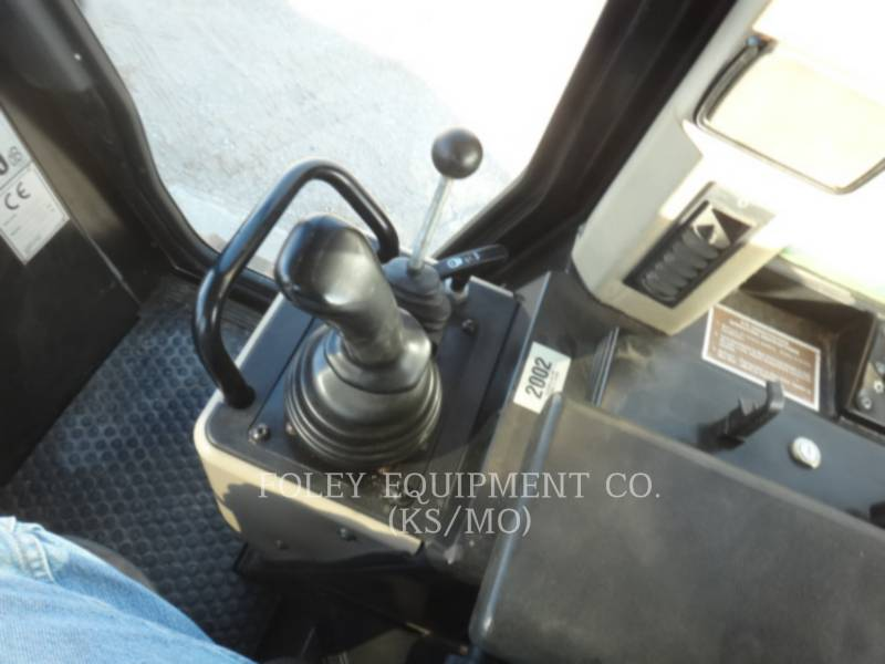 CATERPILLAR KETTENLADER 953C equipment  photo 13