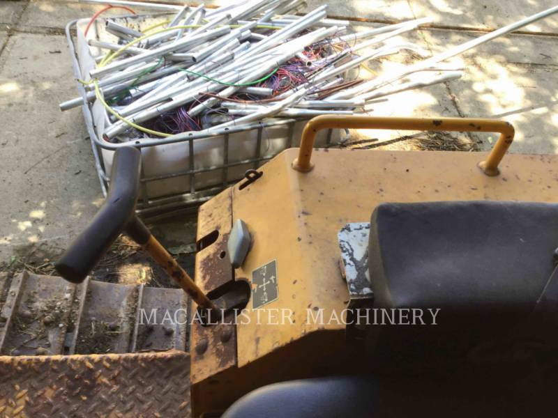 JOHN DEERE TRACK TYPE TRACTORS 400G equipment  photo 7