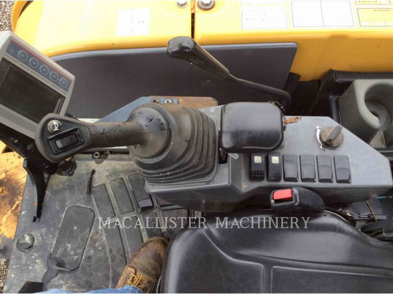 CATERPILLAR KETTEN-HYDRAULIKBAGGER 305.5E equipment  photo 15