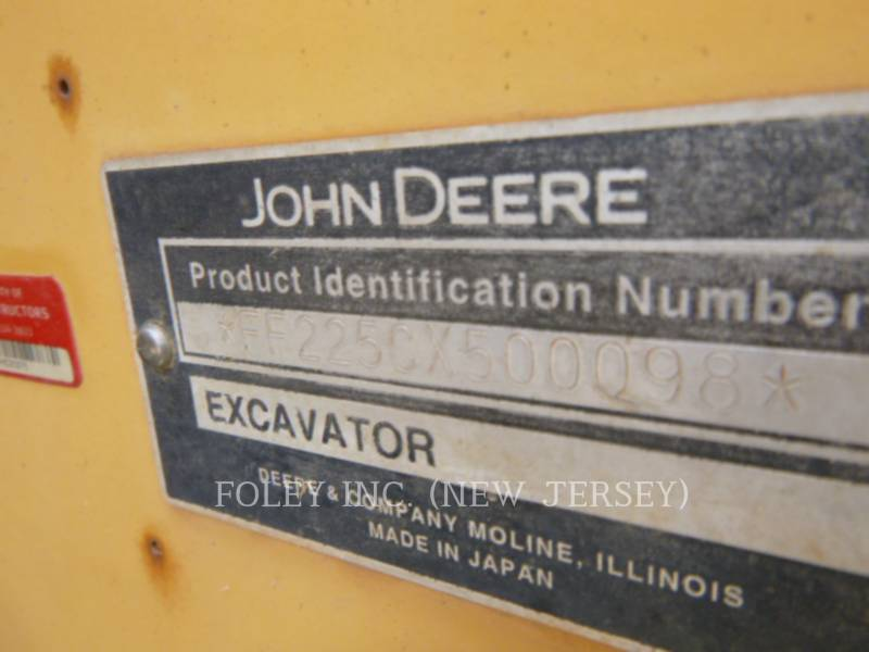 DEERE & CO. TRACK EXCAVATORS 225CLC equipment  photo 10
