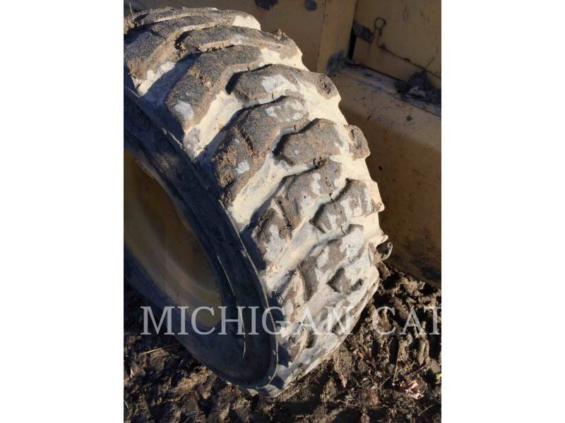 JOHN DEERE CHARGEURS COMPACTS RIGIDES 8875 equipment  photo 10